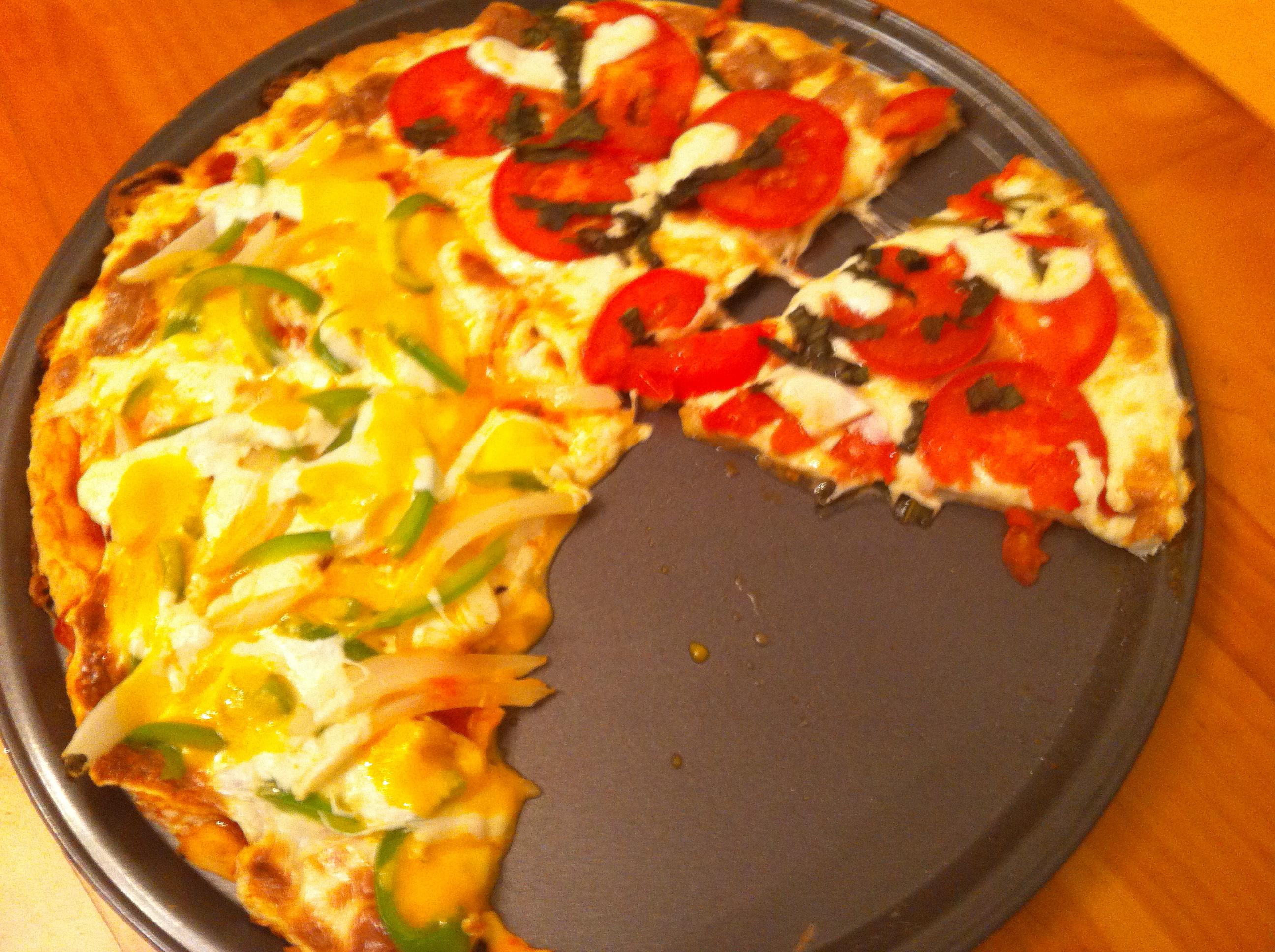 Super easy Homemade Pizza by Aurora Meyer on aurorameyer.com