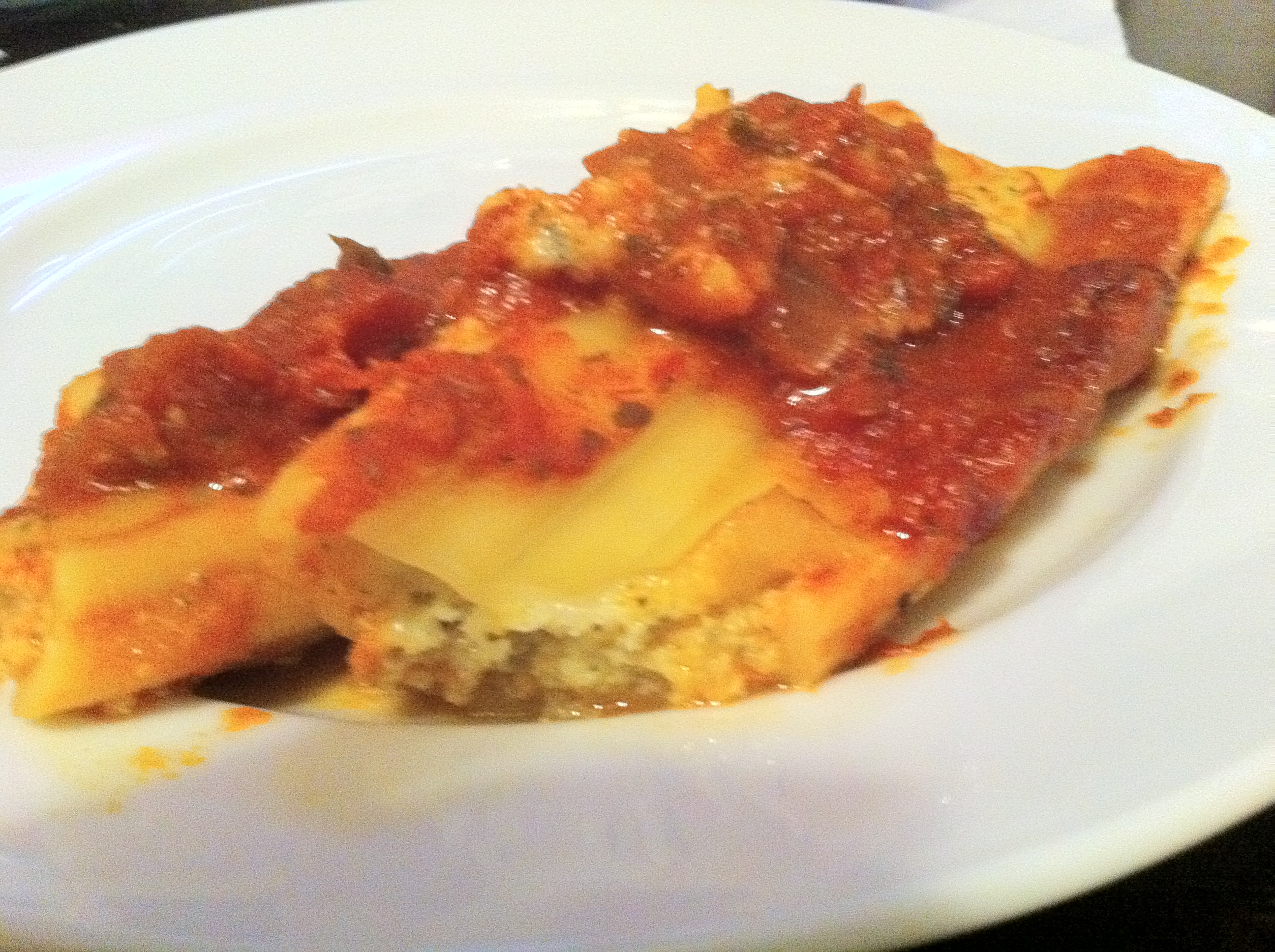 Easy Baked Manicotti by Aurora Meyer on aurorameyer.com